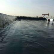 鱼塘护坡防渗膜怎么铺